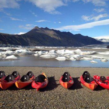 Kayak glacier Jokulsarlon