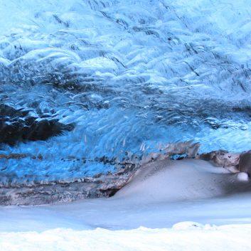 Découvrir une grotte de glace