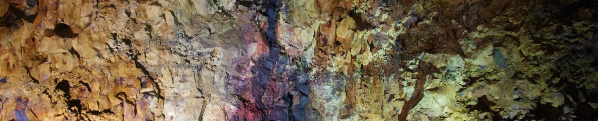 Aperçu d'une grotte de lave en Islande