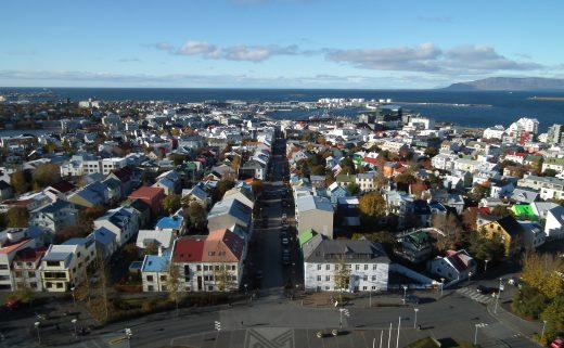Vue aérienne de Reykjavík depuis Hallgrímskirkja